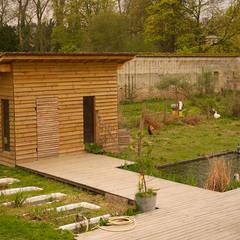 Association Picorama, Les animaux jardiniers: Centre d'expositions de style  par Fertiles