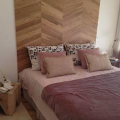 Estilo Pilar 2015: Dormitorios de estilo ecléctico por Azora Estudio