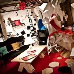 expo au salon Nimagine avec le collectif La Ruche: Lieux d'événements de style  par So Posh Factory