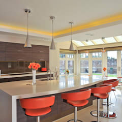 Beech Kitchen:  Kitchen by Diane Berry Kitchens