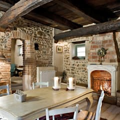 rustic Dining room by Fabio Carria