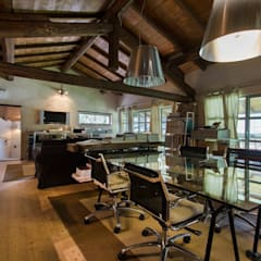 rustic Study/office by Fabio Carria