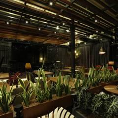 Hiyeldaim İç Mimarlık & Tasarım – Bood Eat&Meat:  tarz Bar & kulüpler