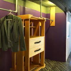 Walls by DIN Interiorismo , Modern