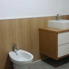 Reforma integral vivienda en Tenerife: Baños de estilo  de Tatiana Doria,   Diseño de interiores
