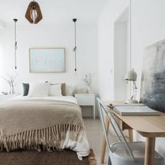 Remodelação de apartamento: Quartos modernos por Architect Your Home