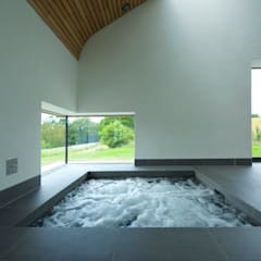 Little England Farm - Pool House:  Spa by BBM Sustainable Design Limited