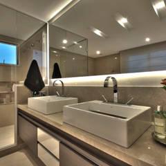Apartamento Residencial APA: Spas  por Pauline Kubiak Arquitetura