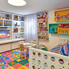 Nursery/kid's room by Juliana Goulart Arquitetura e Design de Interiores