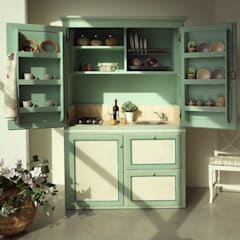 mediterranean Kitchen by LA BOTTEGA DEL FALEGNAME