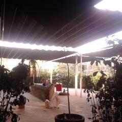 Sistemas de Palilleria ZEN desde la parte interior: Bares y discotecas de estilo  por GAVIOTA MEXICO