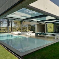 Pool by guedes cruz arquitectos, Minimalist