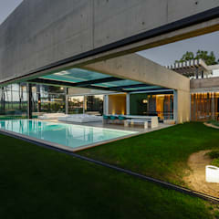 泳池 by guedes cruz arquitectos