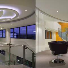 Oficinas herbalife: Edificios de Oficinas de estilo  por Oscar Hoyos