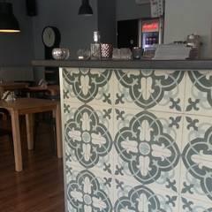Płytki cementowe - wzór na specjalne zamówienie: styl , w kategorii Jadalnia zaprojektowany przez Kolory Maroka