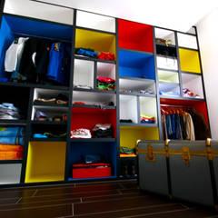 غرفة الملابس تنفيذ Aalpe Architetti,