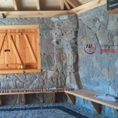 altana ogrodowa z kamienia: styl , w kategorii Ogród zaprojektowany przez PRACOWNIA ARANŻACJA ANNA RYPLEWSKA