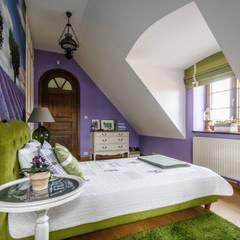 Sypialnia w klimatach Prowansji: styl , w kategorii Sypialnia zaprojektowany przez ZAWICKA-ID Projektowanie wnętrz