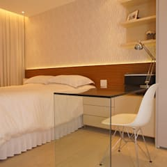 Kamar Tidur oleh Adoro Arquitetura , Modern Kayu Wood effect