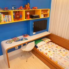 Phòng trẻ em theo Adoro Arquitetura , Hiện đại Gỗ Wood effect