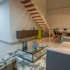 Apartamento Ferreira: Salas de estar  por Laura Lage Arquitetura e Design,Moderno