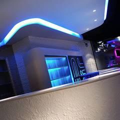 BB Lounge Bar: Bares y Clubs de estilo  de Tiendas On