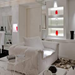 Salas / recibidores de estilo  por HB Arquitetos Associados, Moderno Tablero DM