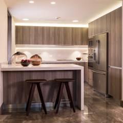 FUENTES / TRENDO: Cocinas de estilo  por Idea Cubica, Moderno