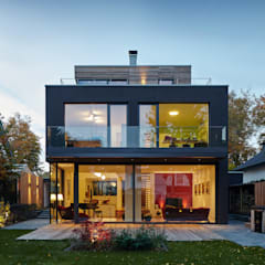 Kolam Renang by Corneille Uedingslohmann Architekten