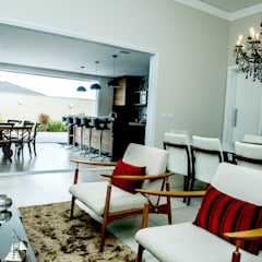Sala de Estar: Salas de estar  por Celina Molinari Arquitetura e Interiores,