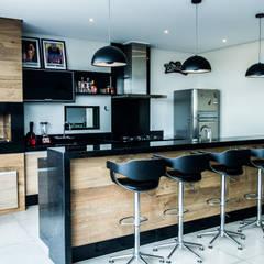 Área Gourmet: Terraços  por Celina Molinari Arquitetura e Interiores,