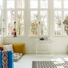 weranda: styl , w kategorii Taras zaprojektowany przez Gzowska&Ossowska Pracownie Architektury Wnętrz