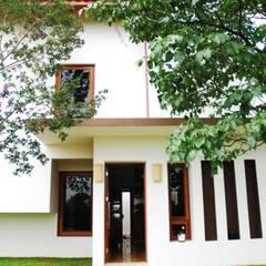 Residência Condomínio Cafezal: Casas  por Mônica Mellone Arquitetura,Eclético