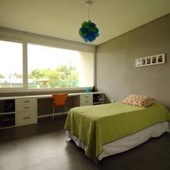 Casa Storni Dormitorios infantiles minimalistas de Queixalós.Trull Arquitectos Minimalista
