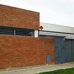 Casa E-171: Casas de estilo  por ELVARQUITECTOS