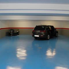 VIVIENDA UNIFAMILIAR. TOLEDO.: Garajes de estilo  de Rodrigo Pérez, Estudio de Arquitectura.