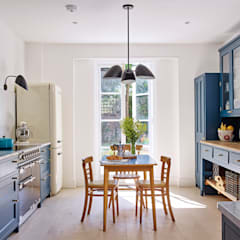 Light Filled Traditional Kitchen: classic Kitchen by Holloways of Ludlow Bespoke Kitchens & Cabinetry