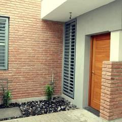 Casa E-171: Terrazas de estilo  por ELVARQUITECTOS