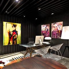 Benguela Office: Escritórios  por Antony Simões Studio,