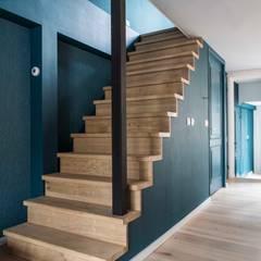 Appartement Keizersgracht:  Trap door SMEELE Ontwerpt & Realiseert
