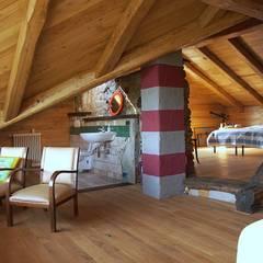 casa del conte - 2014: Soggiorno in stile  di architetto Davide Fornero