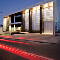 Office buildings by Mobile Arquitetura, Modern