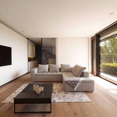 Objekt 329 / meier architekten: moderne Wohnzimmer von meier architekten