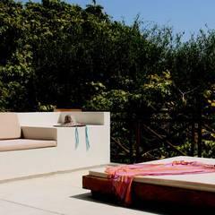 Isla Única Cartagena: Terrazas de estilo  por Kubik Lab,