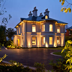 Elegantly proportioned city house nestled into a Conservation Area:  Houses by Des Ewing Residential Architects, Classic