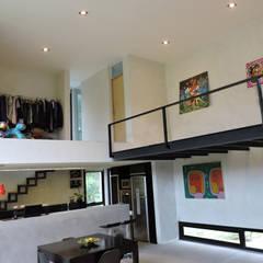 casa DL: Livings de estilo  por jose m zamora ARQ,Minimalista Metal