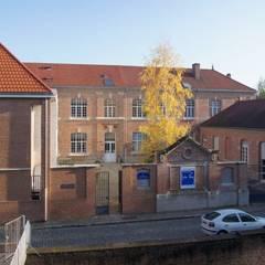 Perception depuis l'université: Ecoles de style  par STUDIO D'ARCHITECTURE RANSON-BERNIER