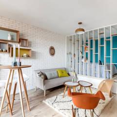 PROJET VOLTAIRE, Agence Transition Interior Design, Architectes: Carla Lopez et Margaux Meza: Salon de style  par Transition Interior Design