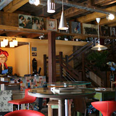 Café da Corte - Bar: Bares e clubes  por Ornato Arquitetura