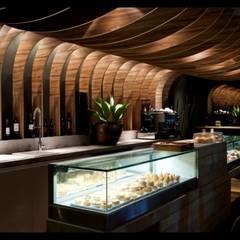 """MOSTRA """"CASA COR SÃO PAULO"""" - BRASIL - ESPAÇO BOULANGERIE:  Commercial Spaces by RC decoração design e comércio ltda"""